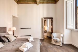 Piazza Farnese exclusive view 2 bedroom en suite, Appartamenti  Roma - big - 18