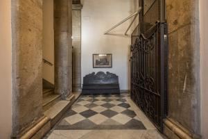Piazza Farnese exclusive view 2 bedroom en suite, Appartamenti  Roma - big - 36