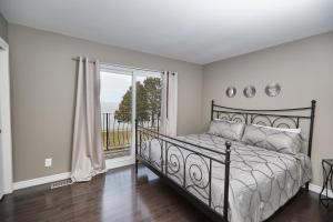 Niagara Lakeview Home, Prázdninové domy  Port Dalhousie - big - 14