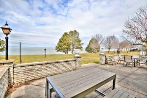 Niagara Lakeview Home, Prázdninové domy  Port Dalhousie - big - 19
