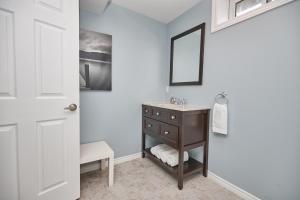 Niagara Lakeview Home, Prázdninové domy  Port Dalhousie - big - 31