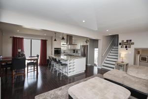 Niagara Lakeview Home, Prázdninové domy  Port Dalhousie - big - 37