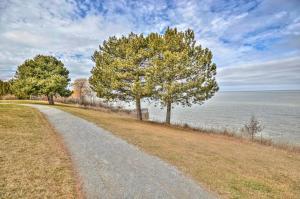 Niagara Lakeview Home, Prázdninové domy  Port Dalhousie - big - 44