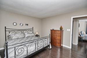 Niagara Lakeview Home, Prázdninové domy  Port Dalhousie - big - 45