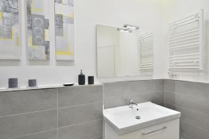 New Romantic Trastevere Apartment, Ferienhäuser  Rom - big - 11