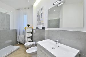 New Romantic Trastevere Apartment, Ferienhäuser  Rom - big - 13