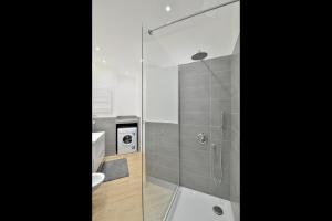 New Romantic Trastevere Apartment, Ferienhäuser  Rom - big - 15