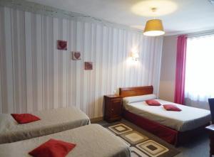 Hotel Restaurant Le Cygne, Szállodák  Conches-en-Ouche - big - 43