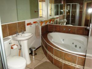 Flintstones Guesthouse Fourways, Pensionen  Johannesburg - big - 30
