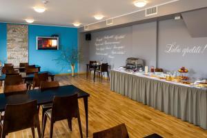 Hotel Kolumbs, Hotel  Liepāja - big - 59