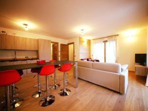 Sunny Arabba Apartment