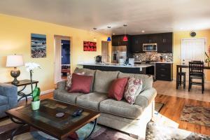 obrázek - Seaside Retreat - Two Bedroom Home 3733