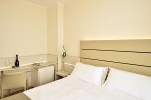 Hotel Astoria, Hotely  Caorle - big - 62