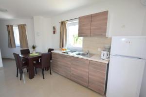 Apartments Mario, Ferienwohnungen  Malinska - big - 11