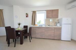Apartments Mario, Ferienwohnungen  Malinska - big - 10