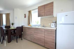 Apartments Mario, Ferienwohnungen  Malinska - big - 9