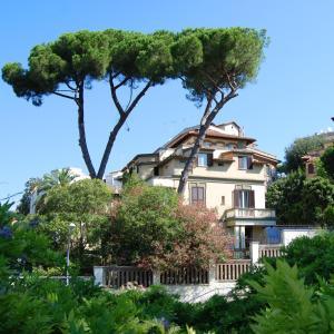 Hotel Residence Villa Tassoni - AbcRoma.com