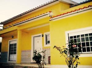 Yellow house Areia Branca