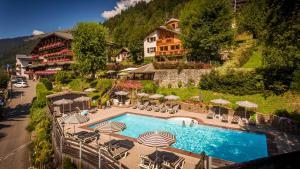 Location gîte, chambres d'hotes Le Dahu Hotel-Chalet de Tradition dans le département Haute Savoie 74