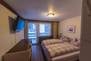 Hostel Walser - Accommodation - Saas-Fee
