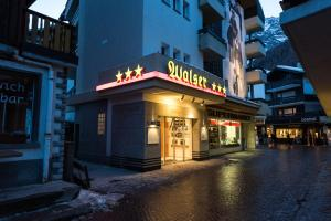 Hostel Walser - Accommodation - Saas-Fee