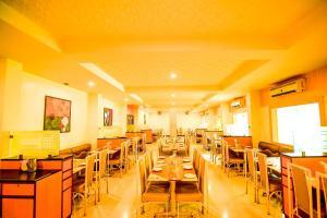 Hotel Sangam, Отели  Karad - big - 16