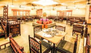 Hotel Sangam, Отели  Karad - big - 6