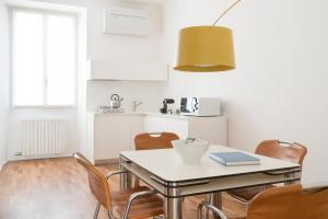 Brera Apartments in San Fermo, Apartmány  Milán - big - 20