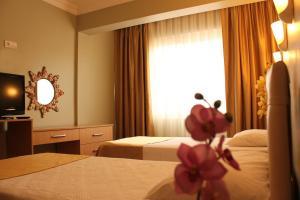 Hotel Dost, Hotely  Marmaris - big - 5