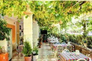 Hotel Dost, Hotely  Marmaris - big - 35