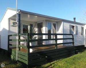 Location gîte, chambres d'hotes Mobile Home à Louannec dans le département Côtes d'Armor 22