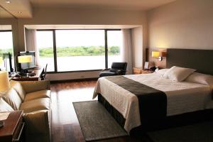 Resort Yacht Y Golf Club Paraguayo, Отели  Асунсьон - big - 36
