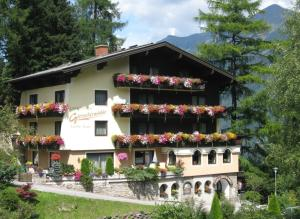 Landhaus Gletschermühle, Affittacamere  Bad Gastein - big - 1