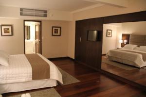 Resort Yacht Y Golf Club Paraguayo, Отели  Асунсьон - big - 53