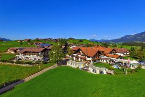 Wohlfühlhotel Berwanger Hof - Hotel - Obermaiselstein-Grasgehren