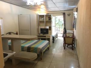 China Town Guest House, Hotel  Freetown - big - 14