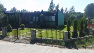 Domek letniskowy nad jeziorem Żarnowieckim - Domek Na Kaszubach - NADOLE