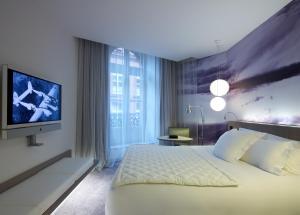 Le Grand Balcon Hotel (3 of 35)