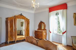 La Villa del Lago, Bed and breakfasts  Ghirla - big - 48