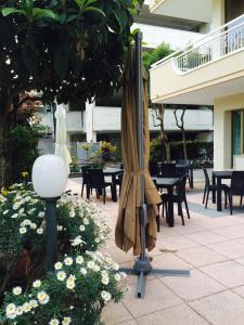Hotel Fucsia, Отели  Риччоне - big - 124