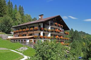 Landhaus Sonnenbichl Mittenwald - Hotel