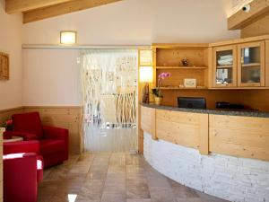 Hotel Garni Minigolf, Отели  Ледро - big - 73
