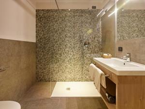Hotel Garni Minigolf, Отели  Ледро - big - 74