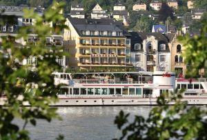 Baudobriga Rheinhotel - Halsenbach