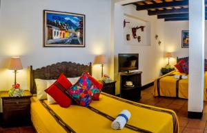 Triple Room Hotel Las Camelias Inn by AHS