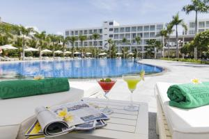 Diamond Bay Condotel -Resort N..