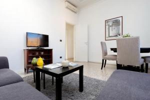 Piazza Capponi Apartment