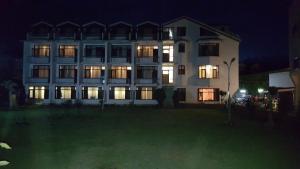 Hotel Paradise at Dal Lake, Отели  Сринагар - big - 1