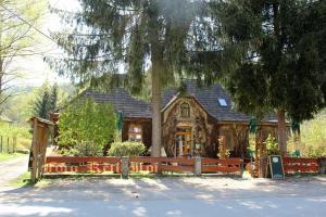 Vadszőlő Szálló és Étterem Bakonybél - Döbrönte