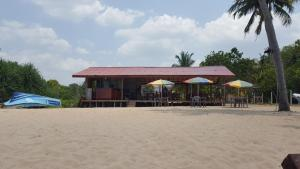 Pigeon Beach Hotel, Hotely  Nilaveli - big - 34